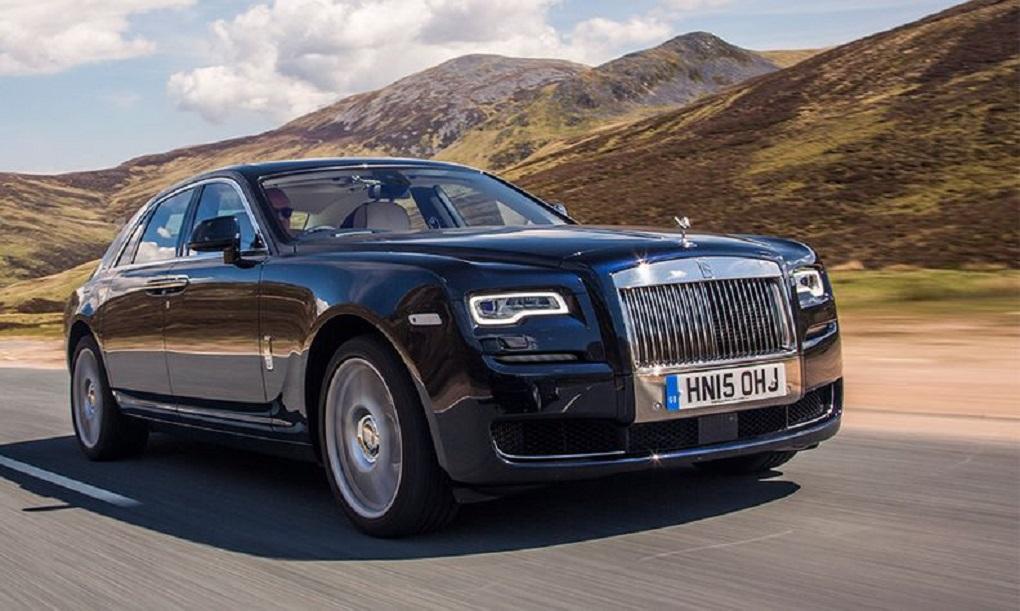 Rolls-Royce simplifies new Ghost with minimalist design