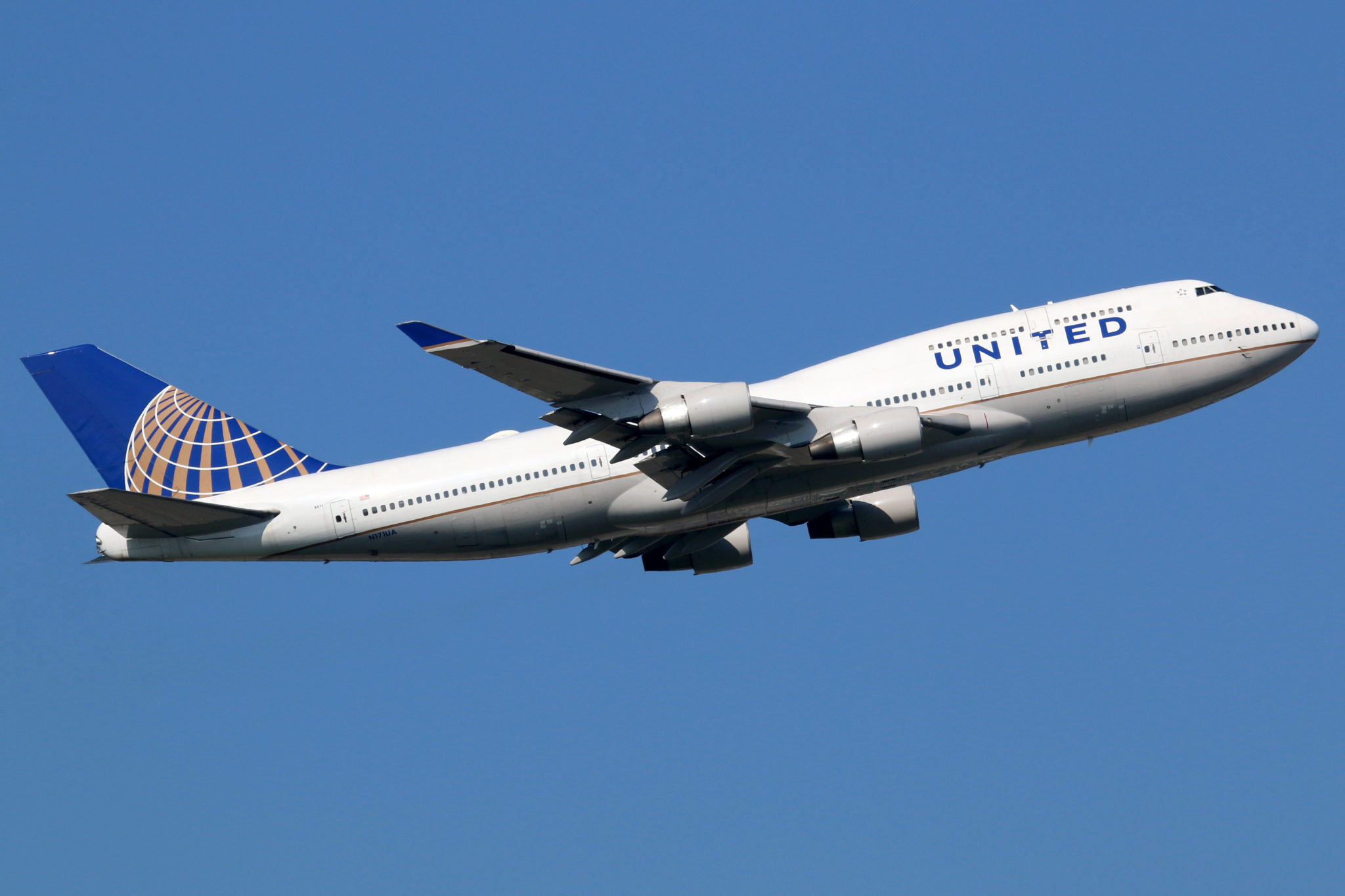 COVID-19: United Airlines to furlough 3,900 pilots